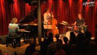Stefano Bollani, Jesper Bodilsen & Morten Lund – Easy Healing (Live)